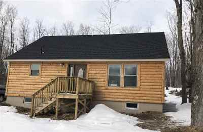 Marquette Single Family Home Pending w/Contingency: 704 Greenfield Rd