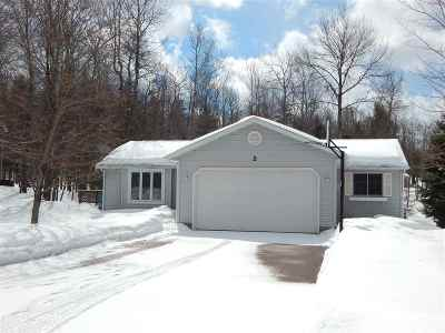 Marquette Single Family Home Pending w/Contingency: 32 Southfork Rd