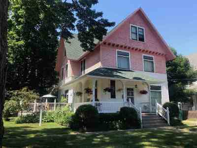 Marquette Single Family Home For Sale: 321 Spruce St