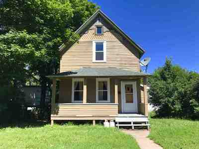 Negaunee Single Family Home For Sale: 613 Lake St