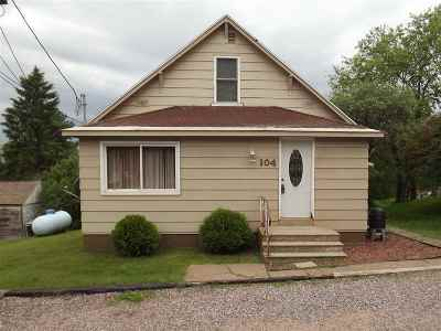 Negaunee Single Family Home For Sale: 104 Carlson Rd