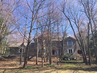 Marquette Single Family Home For Sale: 55 Oak Hill