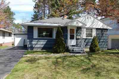 Marquette Single Family Home For Sale: 904 W College