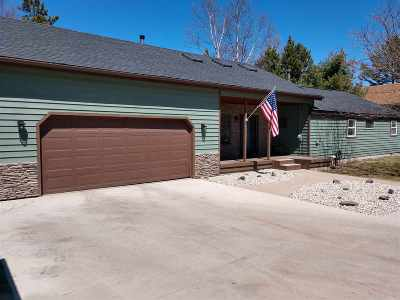 Marquette Single Family Home For Sale: 649 Lakewood Ln
