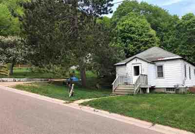 Munising Single Family Home For Sale: 212 Oak