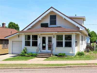 Negaunee Single Family Home Pending w/Contingency: 451 Silver St