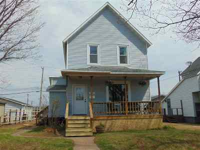 Negaunee Single Family Home Pending w/Contingency: 533 Prince St
