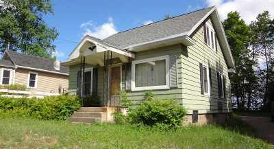 Marquette Single Family Home For Sale: 906 Sherman St