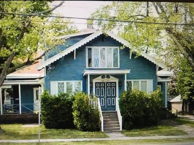 Marquette Multi Family Home For Sale: 811 N Fourth St