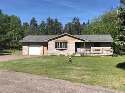 Ishpeming Single Family Home For Sale: 7 Lawer