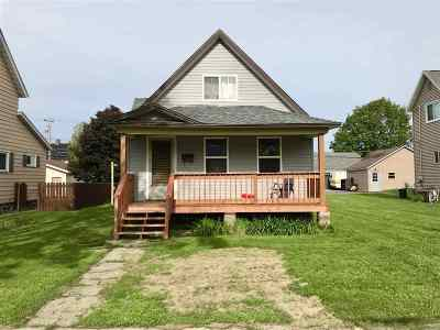 Negaunee Single Family Home For Sale: 925 Pine St