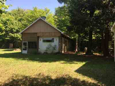 Munising Single Family Home Pending w/Contingency: E6530 Crossover Rd