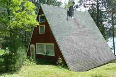 Munising Single Family Home For Sale: E8329 Mirror Lake Rd