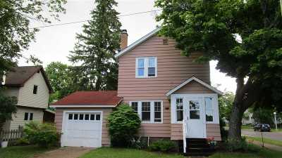 Marquette Single Family Home For Sale: 600 N Front St