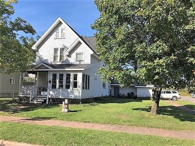 Negaunee Single Family Home Pending w/Contingency: 641 Carr St