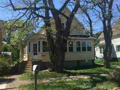 Marquette Single Family Home Pending w/Contingency: 1827 Fitch