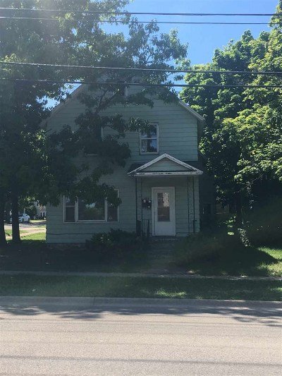 Marquette Multi Family Home Pending w/Contingency: 603 N Fourth St