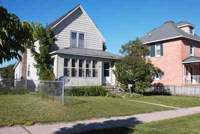 Munising Single Family Home Pending w/Contingency: 131 E Onota St