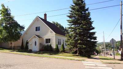 Marquette Single Family Home Pending w/Contingency: 445 W Ridge St