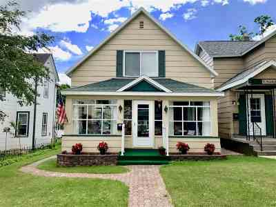 Negaunee Single Family Home Pending w/Contingency: 218 E Peck St