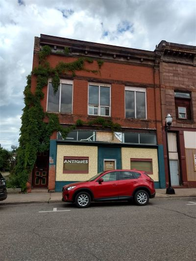 Negaunee Commercial Pending w/Contingency: 308 Iron St
