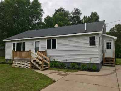 Marquette Single Family Home Pending w/Contingency: 625 Silver Creek Rd