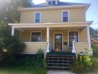 Marquette Single Family Home Pending w/Contingency: 109 Fisher