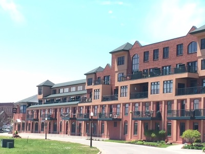 Marquette Single Family Home For Sale: 107 N Lakeshore Blvd #2G
