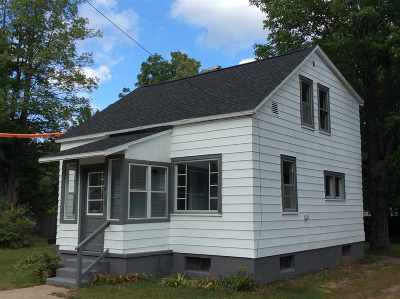Marquette Single Family Home For Sale: 1612 NW Gray St