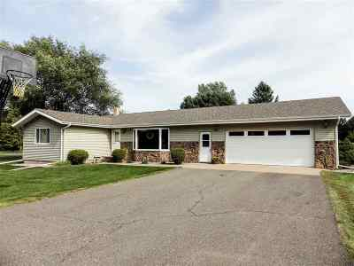 Marquette Single Family Home New: 120 Briarwood Dr