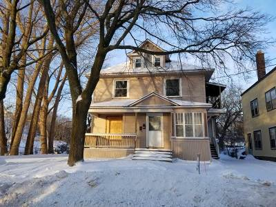 Marquette Multi Family Home Pending w/Contingency: 712 Champion St
