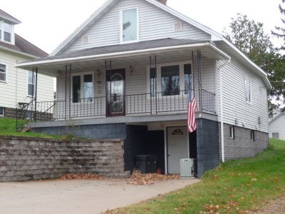 Ishpeming Single Family Home For Sale: 290 Silver St