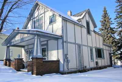 Marquette Single Family Home For Sale: 332 W Park St
