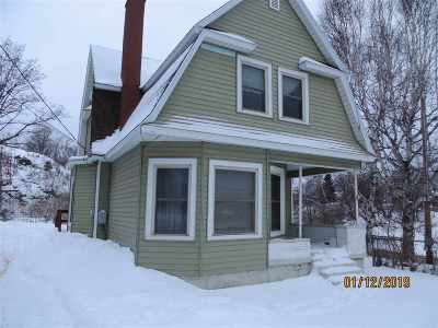 Marquette Single Family Home Pending w/Contingency: 800 Champion St