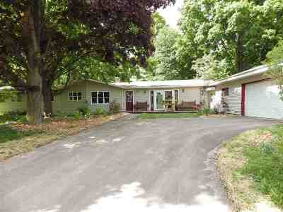 Marquette Single Family Home For Sale: 2 Hidden Creek Dr