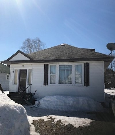 Munising Single Family Home Pending w/Contingency: 216 E Onota St
