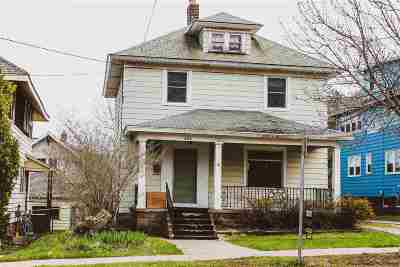 Marquette Single Family Home For Sale: 822 N Front St