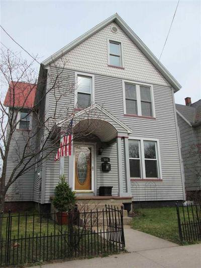Marquette Single Family Home Pending w/Contingency: 916 N Fourth St