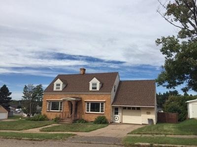Ishpeming Single Family Home For Sale: 801 Juniper