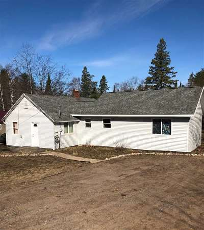 Negaunee Single Family Home For Sale: 79 Midway Dr