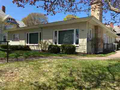 Marquette Single Family Home For Sale: 461 E Ridge St