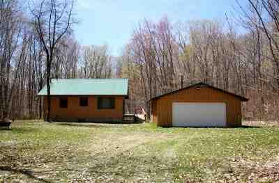 Munising Single Family Home Pending w/Contingency: E6978 Maple Grove Rd