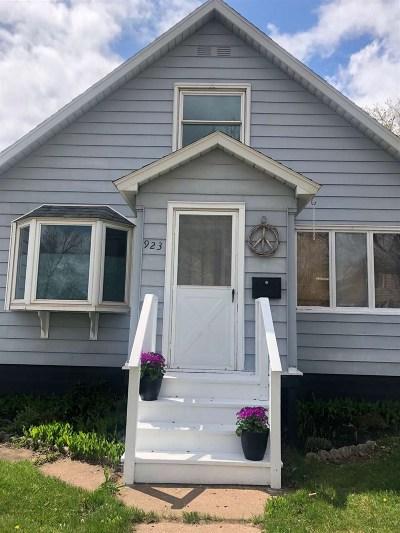Negaunee Single Family Home Pending w/Contingency: 923 Baldwin Ave