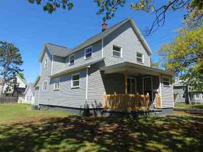 Negaunee Single Family Home For Sale: 945 Oak St
