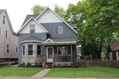 Negaunee Single Family Home For Sale: 221 E Clark St
