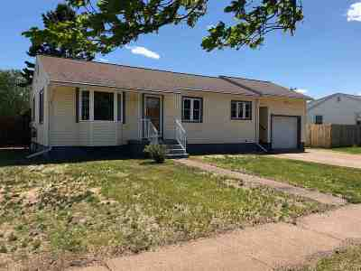 Ishpeming Single Family Home Pending w/Contingency: 548 Poplar St