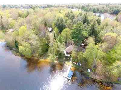 Munising Single Family Home For Sale: 3988 N Peninsula Point Rd