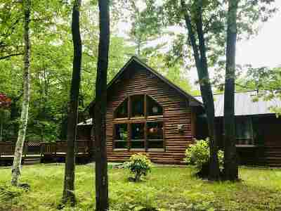 Negaunee Single Family Home For Sale: 130 Hardwood Ln