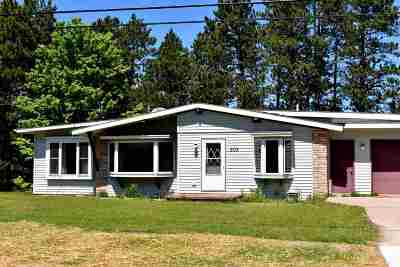 Marquette Single Family Home For Sale: 303 Riverside Rd