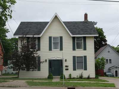 Marquette Multi Family Home Pending w/Contingency: 138 Fisher St